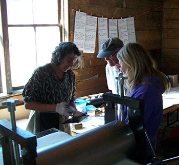 Joyce Majiski gives a workshop in collograps.