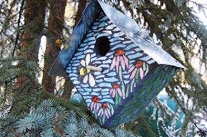 mosaic birdhouse WEB